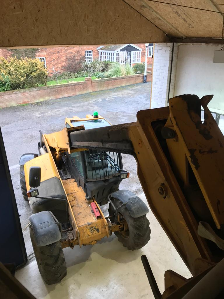 https://copperintheclouds.co.uk/wp-content/uploads/2019/03/Tractor.jpeg
